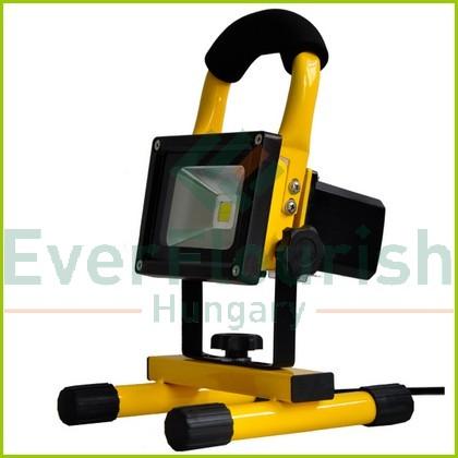 LED fényvető, hordozható, tölthető 10W 450lm 7.4V 4400mAh 8106H